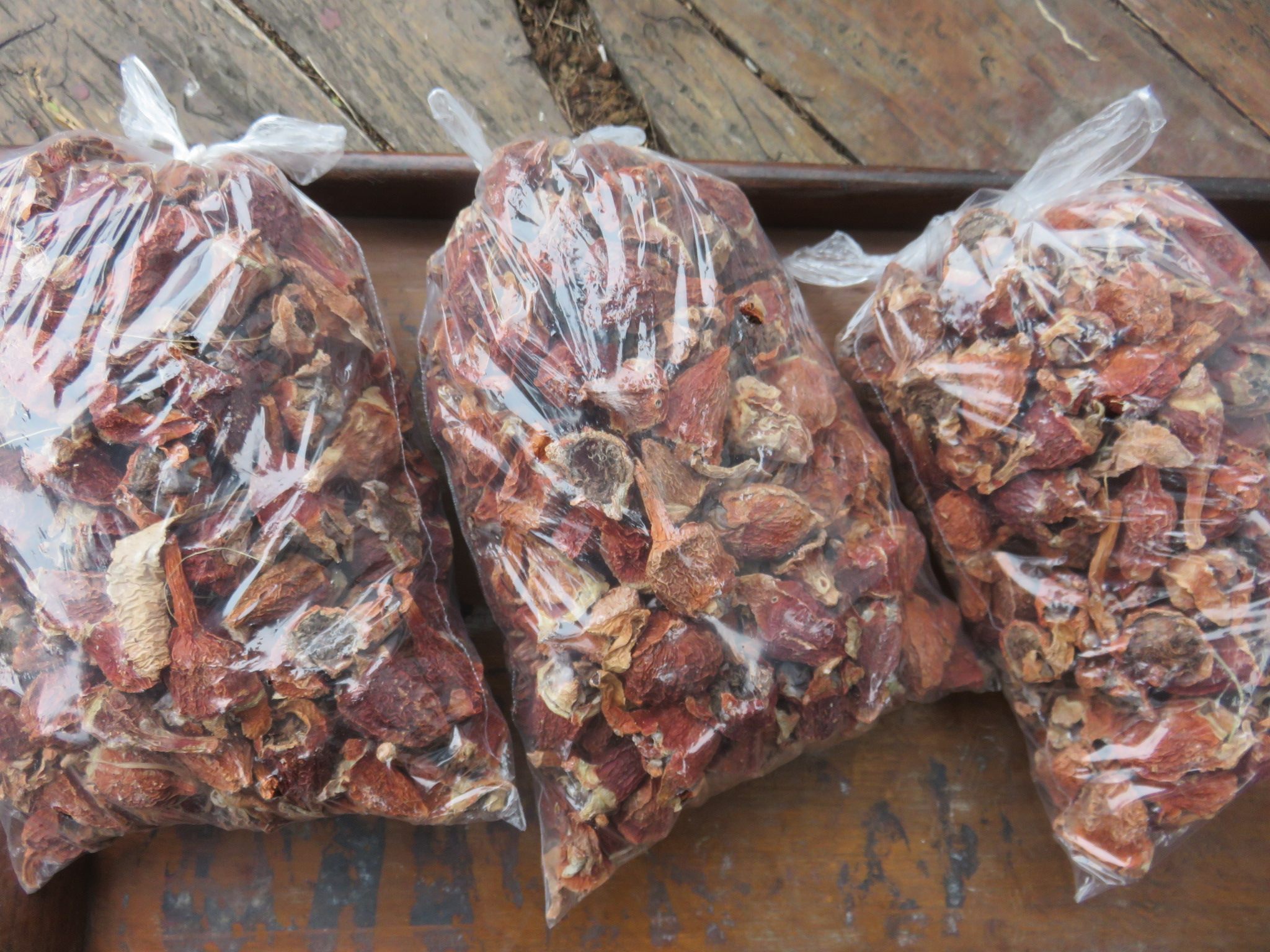 Kilo bags of sour figs for sale at the M5 fruit stall