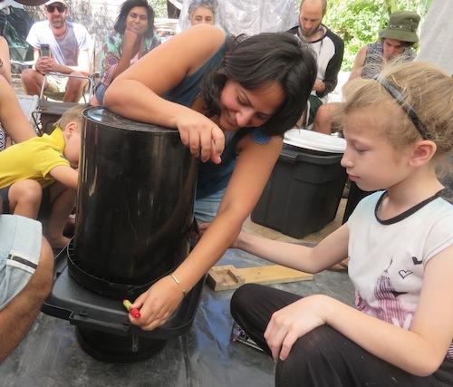 trace around bucket